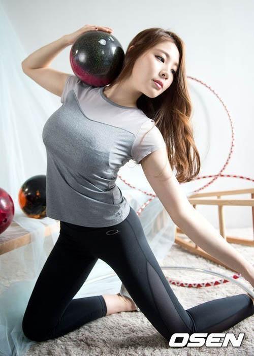 """Đường cong tuyệt hảo của """"nữ thần"""" bowling Hàn Quốc - 1"""
