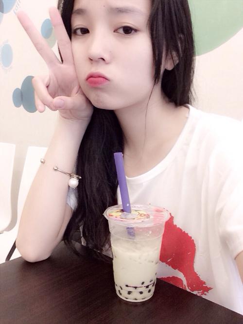 """1001 """"sắc thái"""" mặt xấu dễ thương của hoa, á hậu Việt -"""