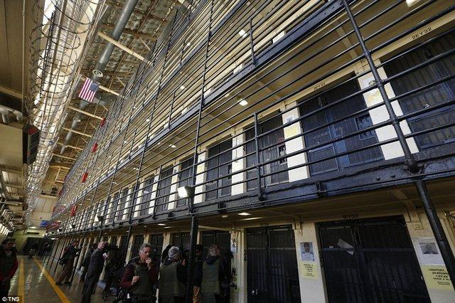 Bên trong nhà tù Mỹ chứa 700 người mòn mỏi chờ tử hình - 1