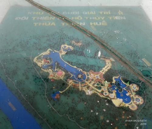 Công viên bỏ hoang ở Huế xuất hiện rùng rợn trên báo Mỹ - 1
