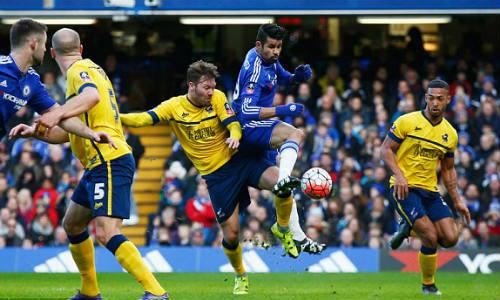 "Chelsea - Scunthorpe: Đá bóng & ""đá người"" - 1"