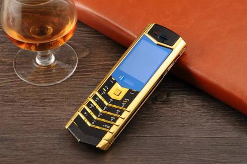 Đua nhau mua điện thoại doanh nhân đẹp sang chỉ với 10 triệu đồng - 1
