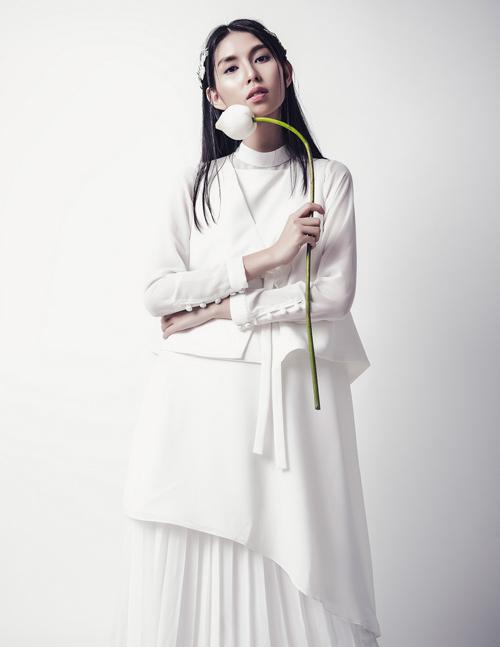 'Kate Moss Việt Nam' e ấp như cánh hoa cuối đông - 1