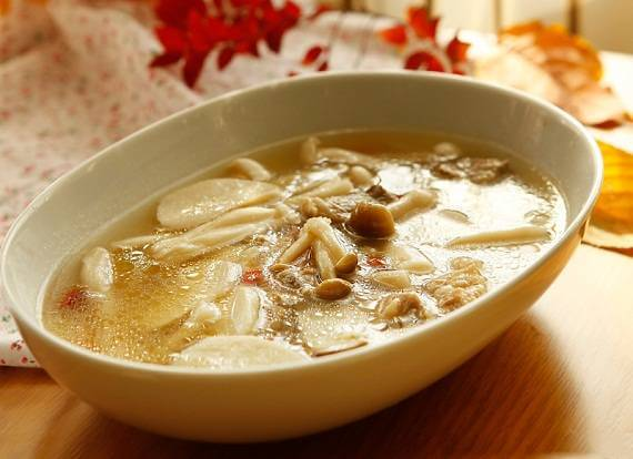 Cuối tuần vào bếp với canh thịt bò hầm nấm thơm ngon - 4