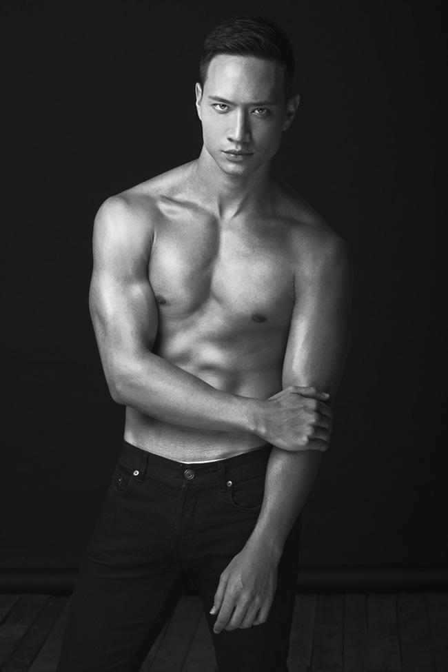 Kim Lý, chàng diễn viên mang 2 dòng máu Việt - Thụy Điển luôn dẫn đầu top các mỹ nam cơ bắp của showbiz nước nhà.