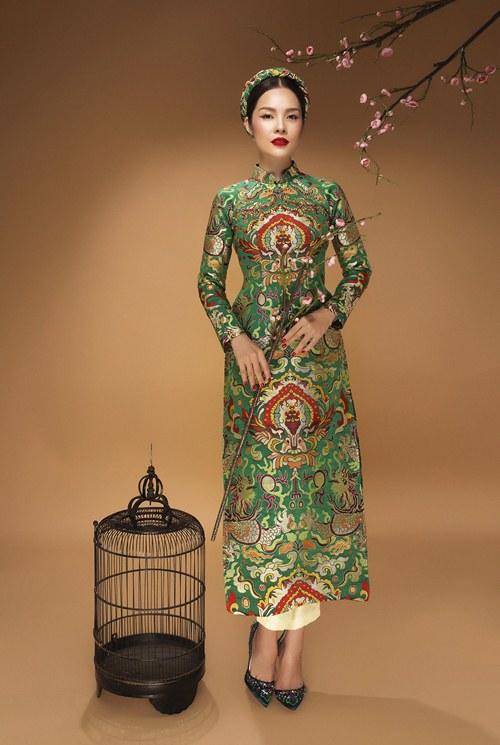 Diễn viên Dương Cẩm Lynh đẹp ấn tượng với áo dài gấm - 4