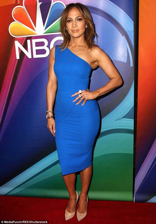 Jennifer Lopez ăn siêu sạch để giữ dáng sexy tuổi 46 - 1