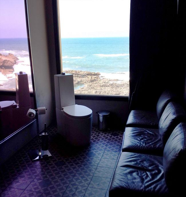 Nhà vệ sinh đa năng ở Casablanca.