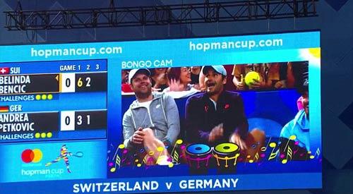 """Thua đau còn """"tăng động"""", Federer bị cha mắng mỏ - 1"""