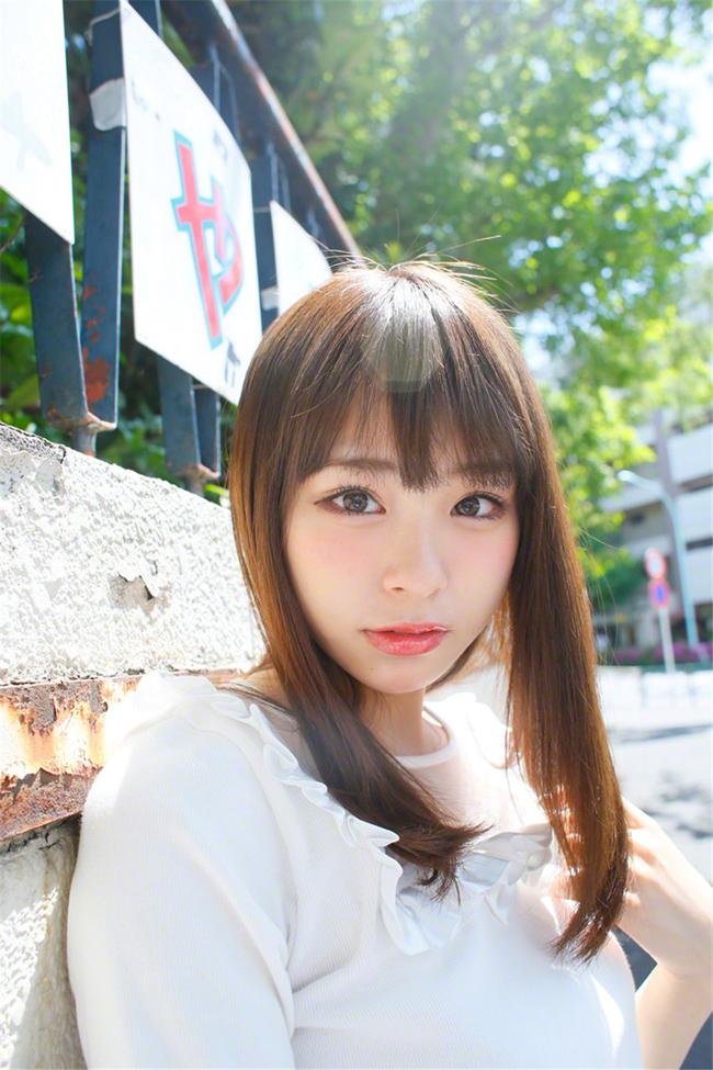 Cô là một trong những mỹ nữ Nhật Bản được giới trẻ châu Á rất yêu thích.