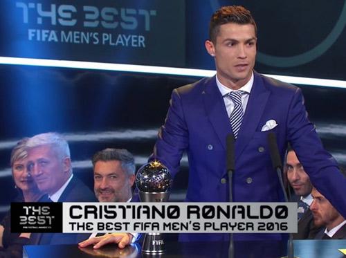 """Cầu thủ xuất sắc nhất FIFA: 16 danh hiệu của """"vua"""" Ronaldo - 1"""