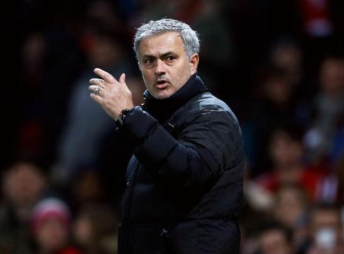 "MU: Mourinho tâng bốc Fellaini, muốn fan ""nuốt chửng"" Liverpool - 1"