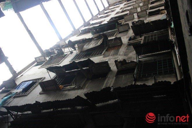 Tháo dỡ khẩn cấp 3 chung cư cũ tại trung tâm TP.HCM - 1