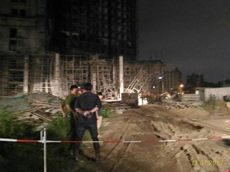 Sập tại tòa nhà đang xây ở Đà Nẵng, nhiều người bị vùi lấp - 1