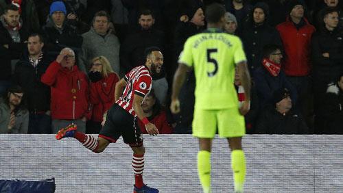 Southampton - Liverpool: Sai lầm không thể cứu vãn - 1