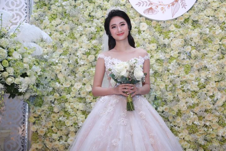 Cận cảnh lễ cưới xa hoa của HH Thu Ngân và đại gia hơn 19 tuổi - 1