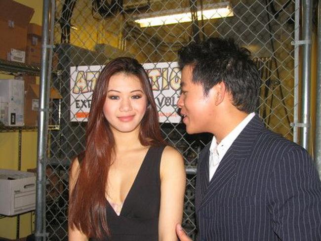 Quang Lê từng thừa nhận trải qua một lần đổ vỡ hôn nhân khi lấy vợ năm 21tuổi. Anh cũng không ngại thừa nhận có thời gian yêu Hoa hậu thế giới người Việt 2006 Linda Vi Trâm Nguyễn.