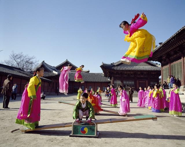 Những trò chơi dân gian ngày Tết độc đáo của Hàn Quốc - 1