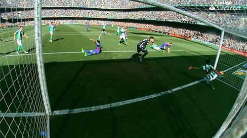 Trọng tài không sai sót, Barca sẽ bỏ xa Real 9 điểm - 1
