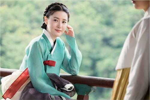 """Bất chấp phim bị sa sút, """"nàng Dae Jang Geum"""" vẫn đẹp kiêu sa - 1"""