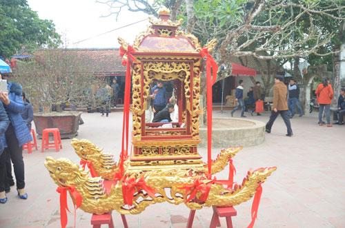 Chiêm ngưỡng kiệu rước ấn đền Trần Nam Định - 1