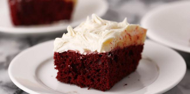 Bánh Poke đỏ.