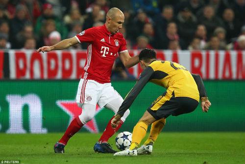 """Góc chiến thuật Bayern – Arsenal: Mũi khoan vào """"họng Pháo"""" - 1"""