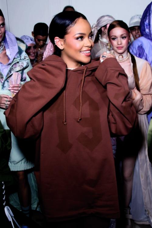 """6 điều chứng tỏ thời trang phải """"chạy theo"""" Rihanna - 1"""