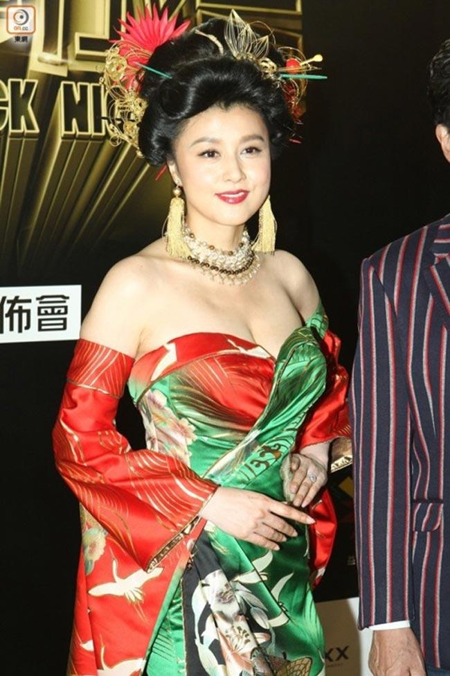Trong danh sách không thể thiếu cựu hoa hậu NhậtNorika Fujiwara.