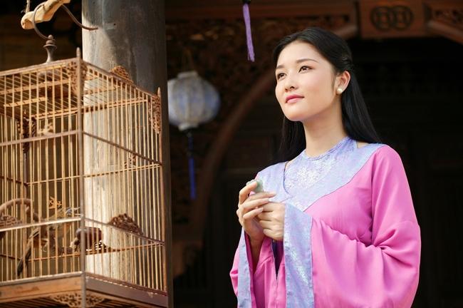 Vẻ đẹp dịu dàng, phúc hậu của Triệu Thị Hà được cho là rất hợp dòng phim cổ trang.