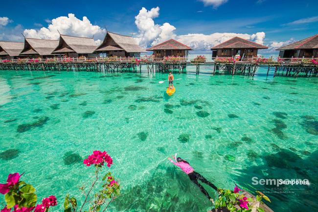 Hòn đảo Sipadan trở thành thiên đường lặn biển, dưới mặt nước là những dải san hô khác nhau đợi du khách khám phá