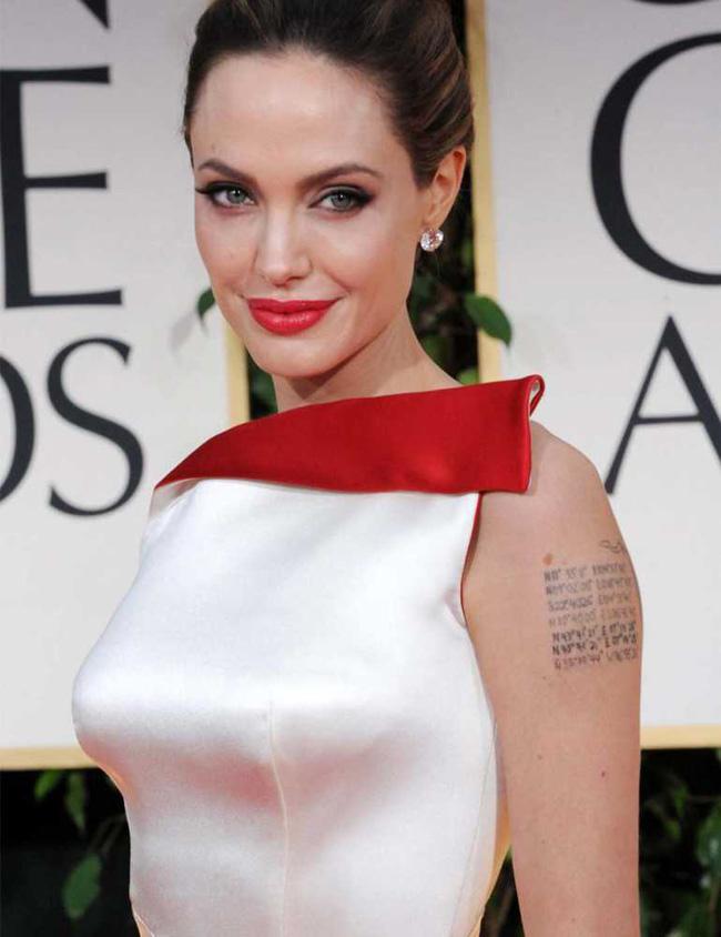 Angelina Jolie xăm hình lạ giữ hôn nhân vẫn mất chồng - 7