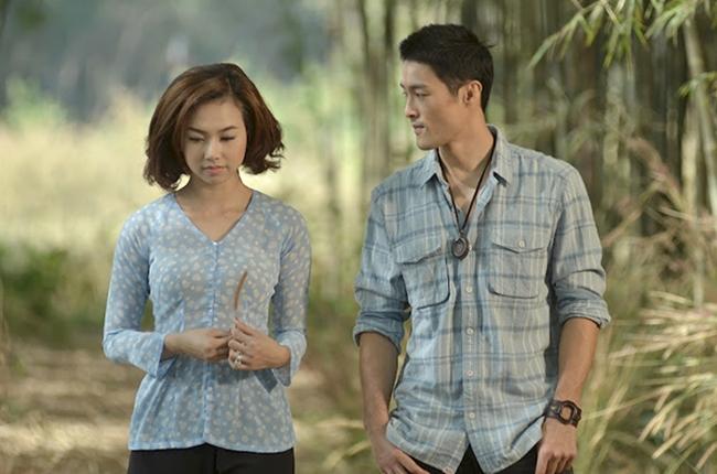 """Ngoài Hoàng Oanh, anh còn có nụ hôn màn ảnh với Đinh Ngọc Diệp trong """"Cưới ngay kẻo lỡ""""."""