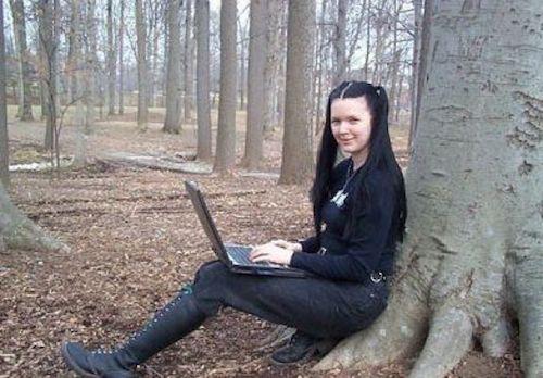 """""""Top"""" 5 nữ hacker xinh đẹp và nguy hiểm nhất mọi thời đại - 5"""