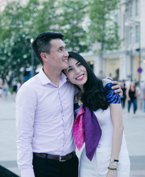 Cuộc sống vợ chồng Thuỷ Tiên lên truyền hình quốc tế - 1