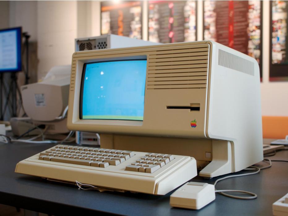 """6 sản phẩm giá """"cắt cổ"""" nhất Apple từng bán ra - 1"""