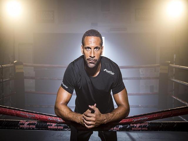 """Rio Ferdinand tung đòn boxing """"hiểm độc"""": Thách đấu mọi cao thủ"""