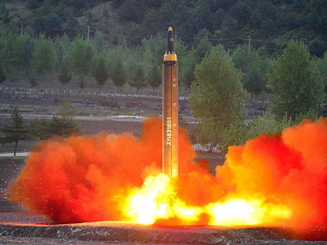 NÓNG nhất tuần: Tên lửa Triều Tiên nổ, rơi xuống TP. 240.000 người?