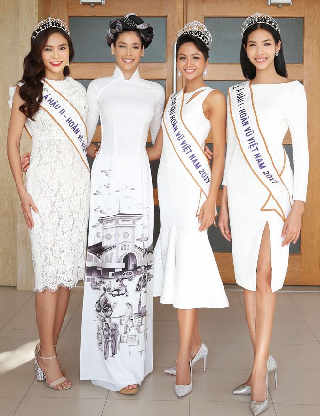 Hoa hậu H'Hen Niê đội vương miện về thăm trường cũ - 1