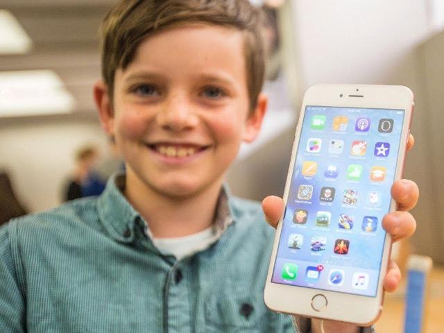 Apple mạnh tay ngăn chặn tình trạng nghiện smartphone ở trẻ em