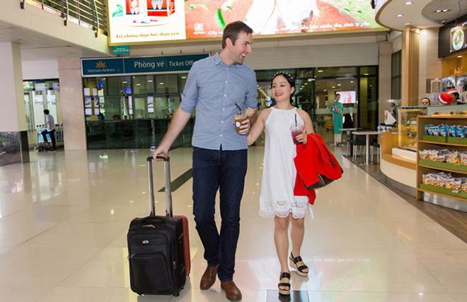 Lan Phương đã đính hôn với bạn trai ngoại quốc cao hơn 2m - 1