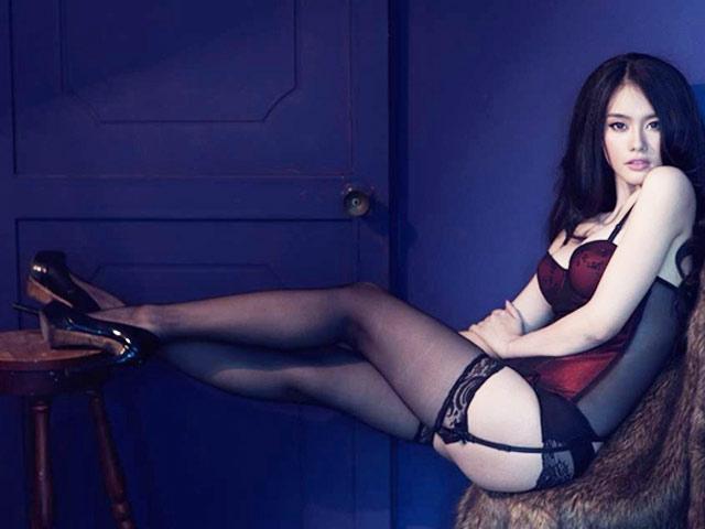 """Người mẫu Linh Chi: """"Tôi kiếm vài đến chục ngàn đô la khi dự sự kiện"""""""
