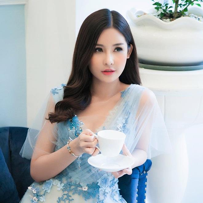 Hoa hậu Đại dương phải truyền nước biển vì áp lực tước vương miện - 1