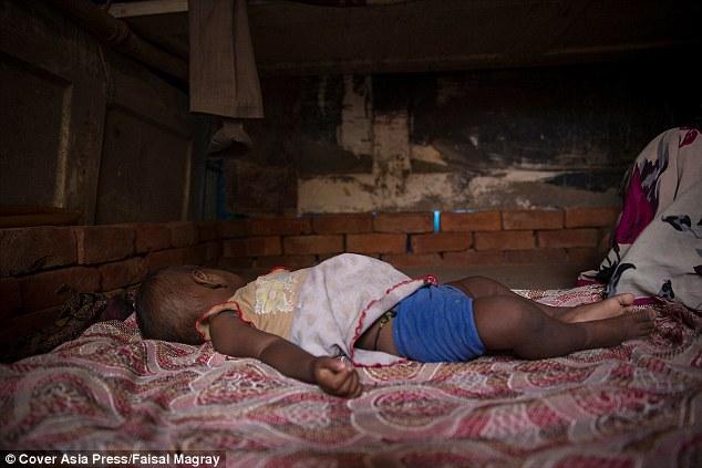 Nỗi đau chất chồng sau thảm án bé gái 11 tháng tuổi bị xâm hại - 2