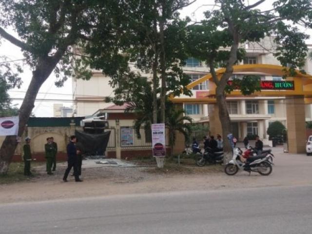 """Hai tên trộm """"số nhọ"""", dùng mìn nổ tung cây ATM vẫn không lấy được tiền"""