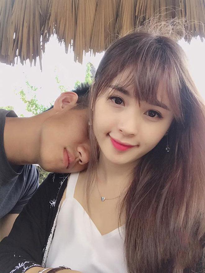 Dàn bạn gái xinh như mộng, sành điệu của cầu thủ U23 Việt Nam - 4