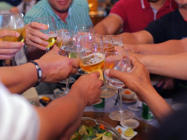 """Rượu và thuốc không phải là…""""rượu thuốc"""""""