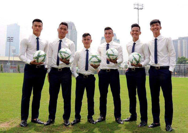 """Phong cách """"chuẩn soái ca"""" của thủ môn Bùi Tiến Dũng U23 VN - 6"""