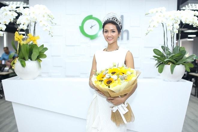 """Hoa hậu H'Hen Niê: """"Tiếng Anh là cản trở lớn nhất"""" - 3"""