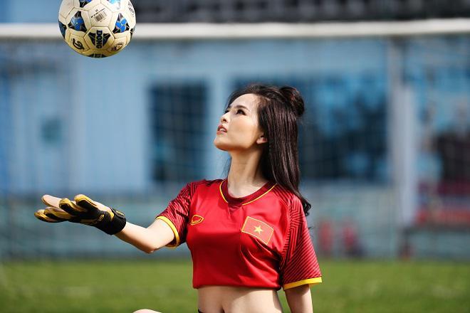 Phi Huyền Trang say mê thủ môn Tiến Dũng, tin vào chiến thắng U23 Việt Nam - 1